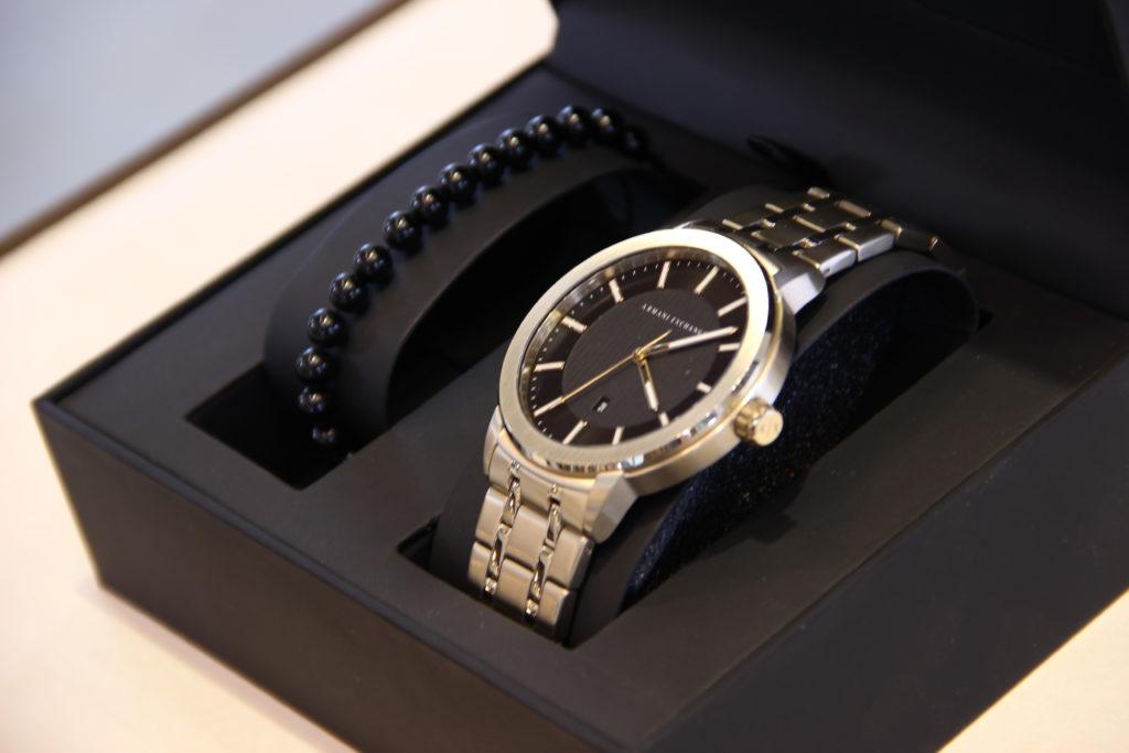 Armani Exchange Uhr Silber mit Schwarzem Armband